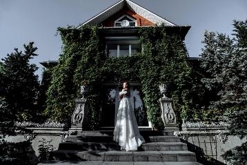 Крутой фотограф на свадьбу Александр Дубынин — профессиональный подход, яркие цвета, живые образы.